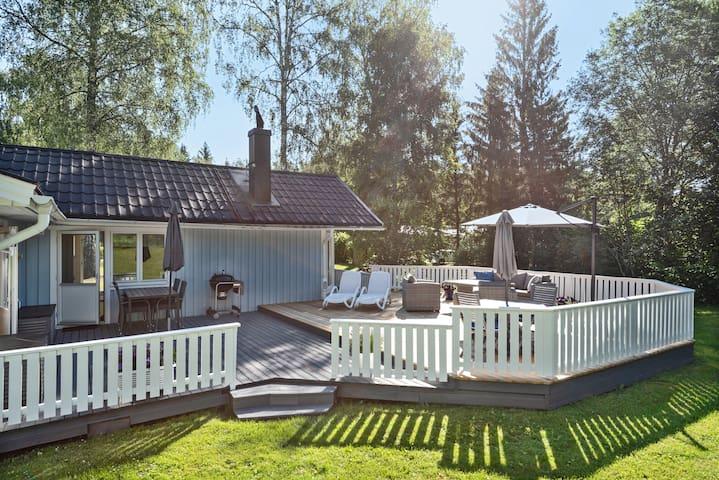 Sjönära hus i hjärtat av Roslagen!
