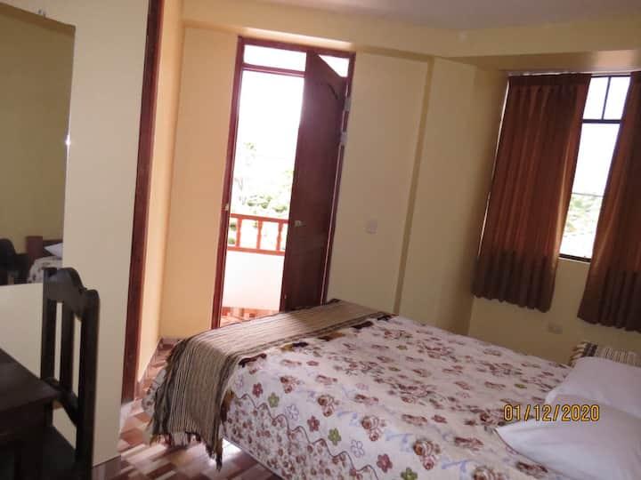 Habitación 203 con balcón, cerca a Kuelap