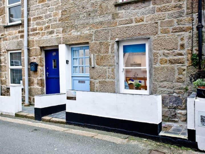 Perfectly located within St Ives - Zig Zag