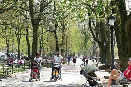 Huge quiet. B/C 1 block! Off park! - New York - Bed & Breakfast