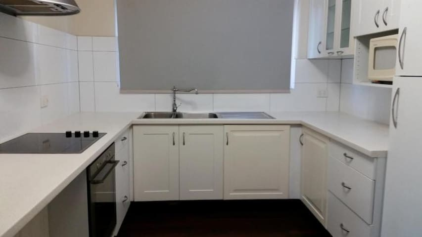 Comfortable and spacious house in Bentley - Bentley - Bungalou