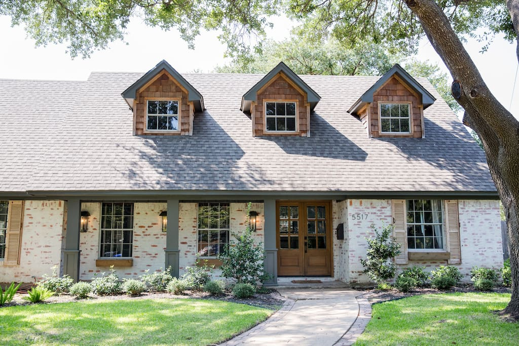 seen on fixer upper the german schmear house houses for rent in waco texas united states. Black Bedroom Furniture Sets. Home Design Ideas