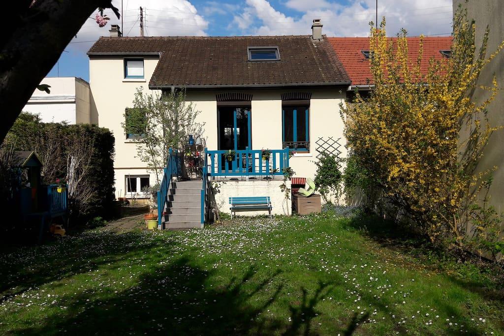 Maison au calme avec jardin maisons louer athis mons for Jardin a louer ile de france