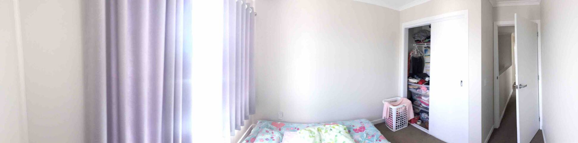 double room for short stay shared shower