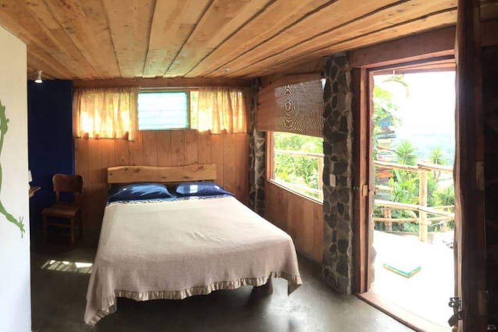 Beautiful Frog Room with balcony view overlooking Lake Cachi and Orosi Valley!