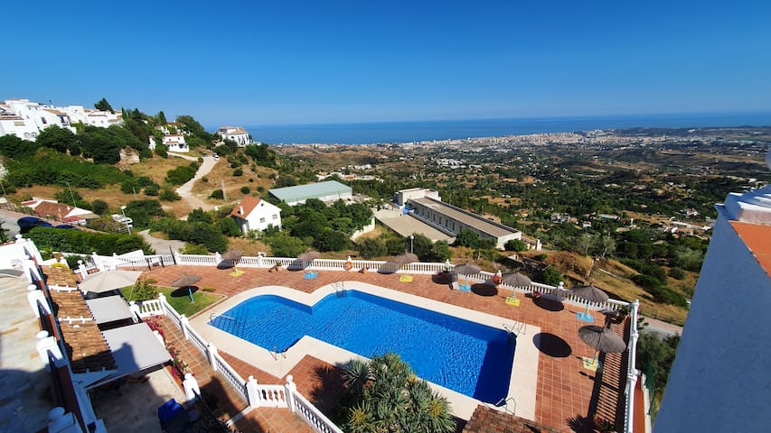 Paradise Sea Views Terrace & Pool in Mirador Mijas