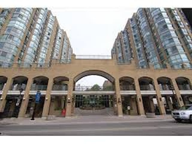 Luxury condo with the best lake view in Barrie!