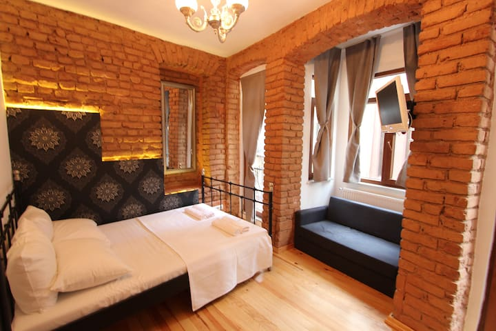 Cheap and Cozy studio in Taksim