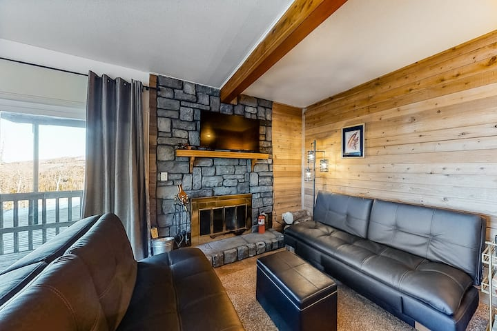 Inviting mountain condo w/ wood-burning fireplace, free WiFi, & great location