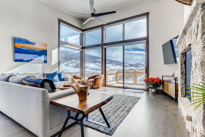 Alpine Vista - Brand New Luxury Home with Incredible Views