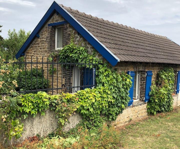La maison aux volets bleus