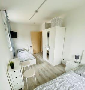 (4)Ein schönes Zimmer in Gilching