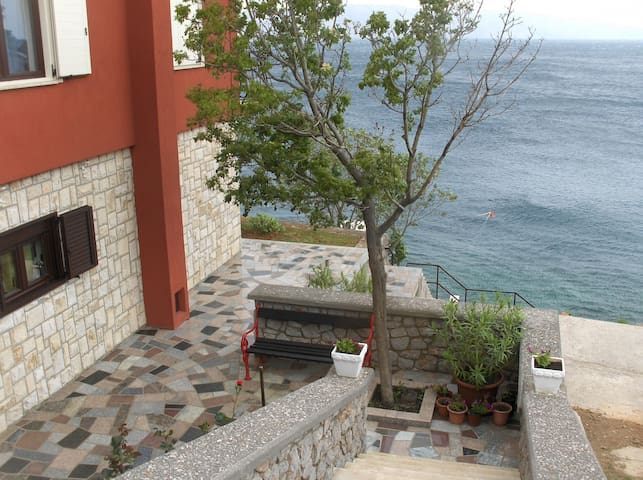 Room 4 with private beach ,free to book - Senj - House