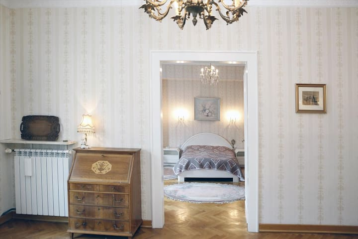 Old times Warsaw, two bedrooms, 98 m2