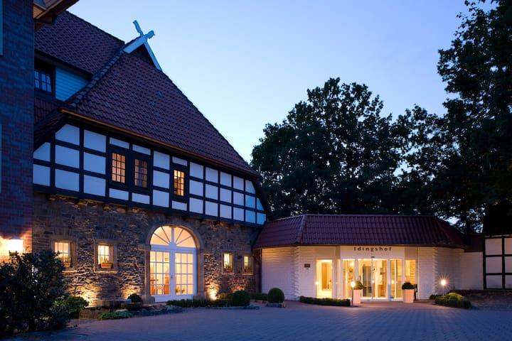 Herzliche Willkommen auf dem IDINGSHOF Hotel & Restaurant...