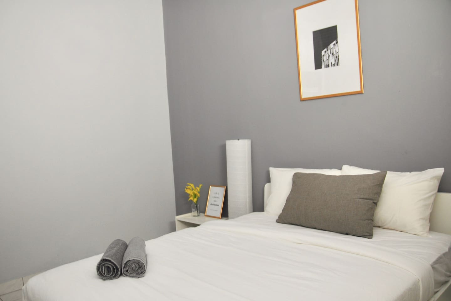 1st Floor Deluxe Room with 1 Queen Bed, TV with 100+ Channels, Attached Private Bathroom and 1 Carpark Space
