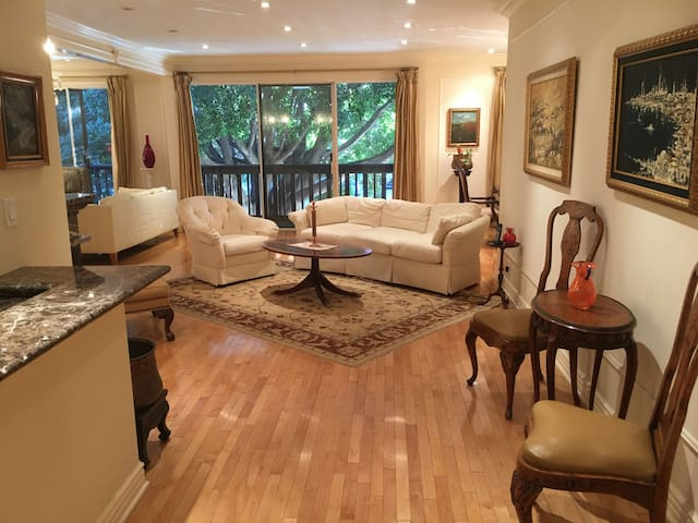 Prime Location Arts & Antiques Furnished Condo