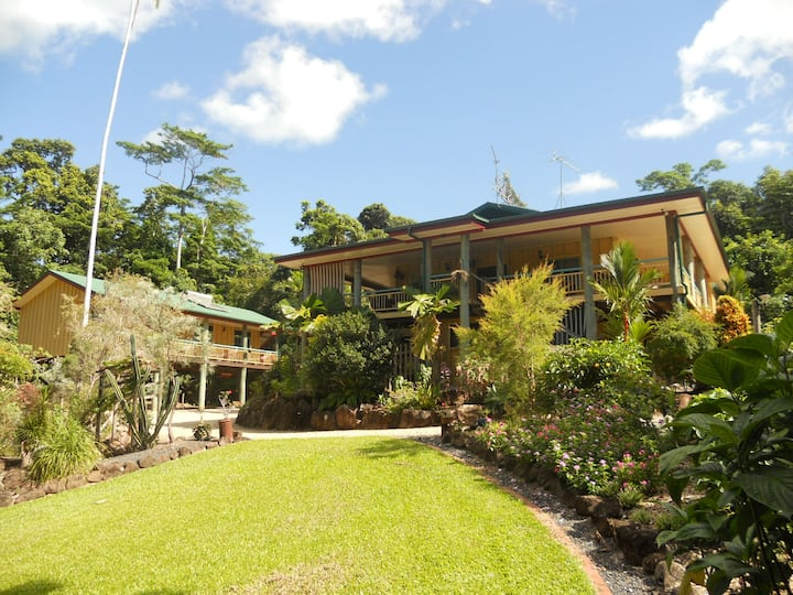 Licuala Lodge - Tropical Rainforest Accommodation