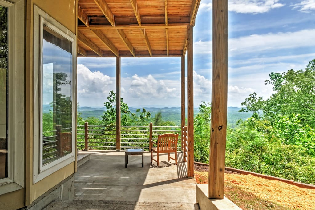Escape to this relaxing Gaylesville vacation rental house!