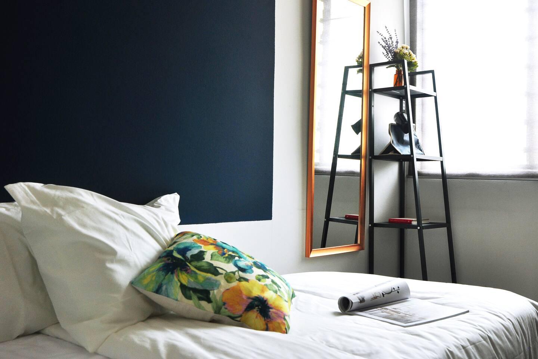 Bedroom 02; mirror+hair dryer.