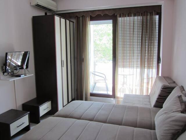 Сдается уютная квартира в Будве недалеко от пляжа!