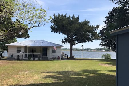 The Villages LakeFront Lake Weir Home