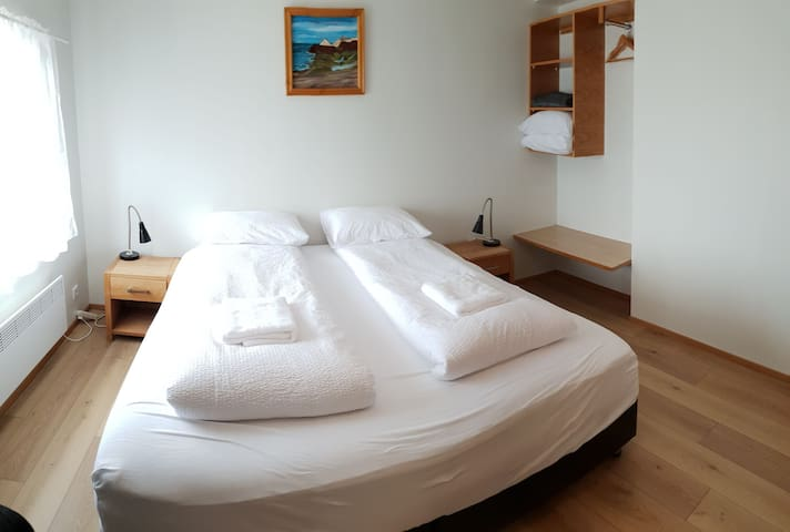 ECONOMY ROOM -private bathroom -breakfast included