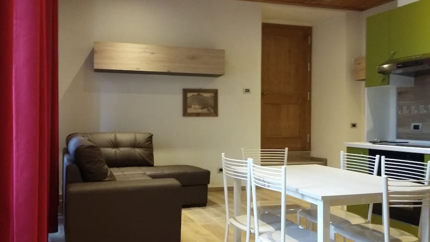 Appartamento grande 6 persone - Edolo