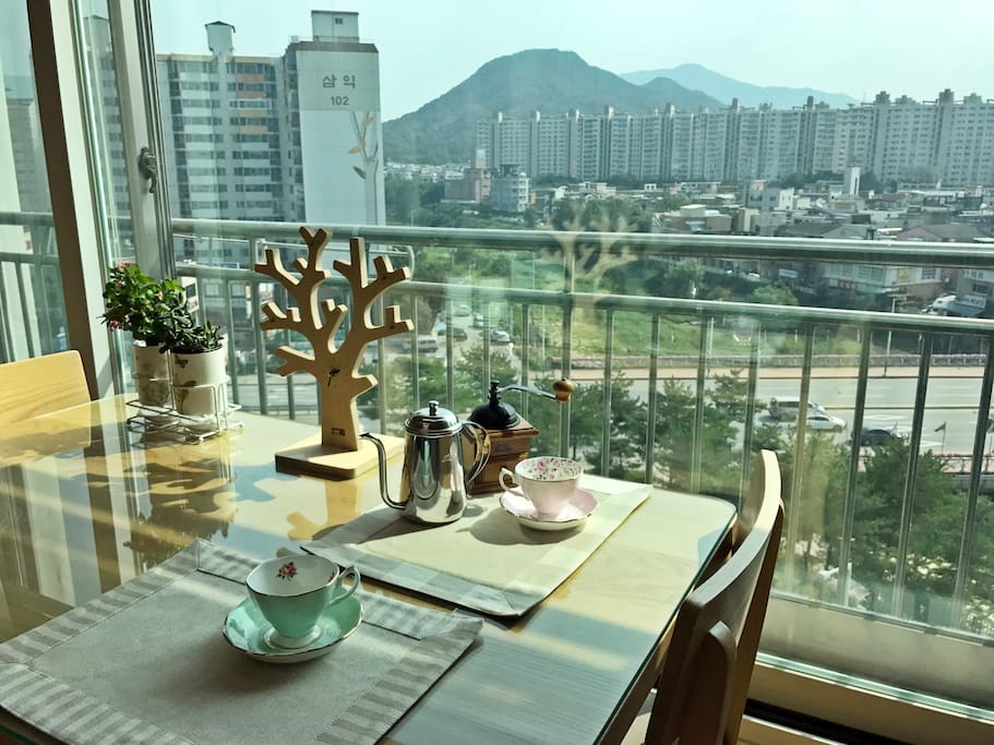 you can enjoy tea time with lovely view and sunshine