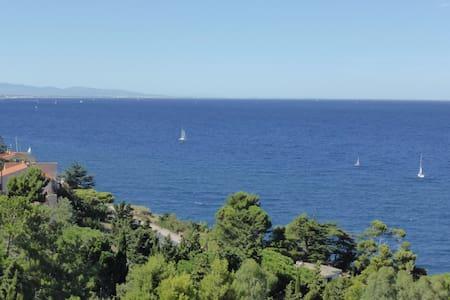 Appartement vue mer, terrasse, piscine, garage - Collioure