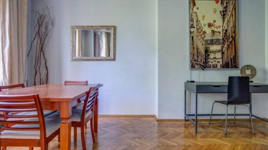 Cozy and Spacious Apartment in the Heart of Sofia