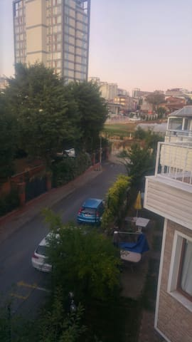 istanbulun göbeğinde kuş sesleri ile uyanmak