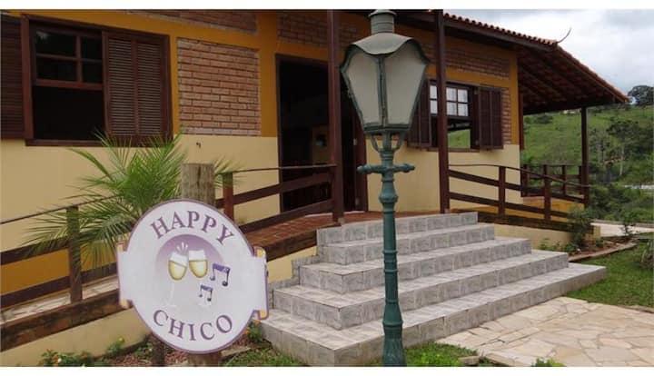 Vila Chico - Chalé Quarto e Sala