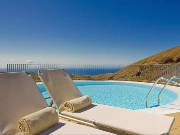 Villa with Heated Pool Access in 5★ Golf Resort