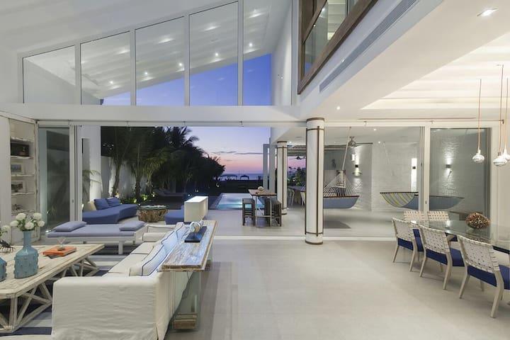 La casa del Mar, punta blanca