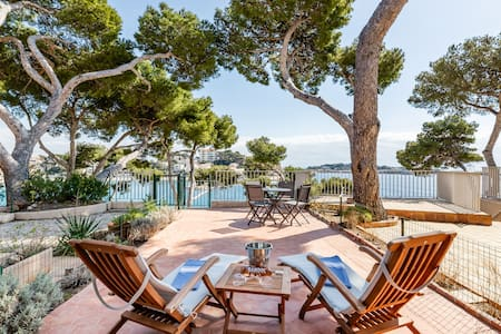 Luxurious Seafront Condo in Bandol, Provence