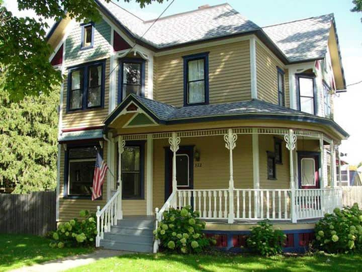 Charming Heritage Home est. 1895