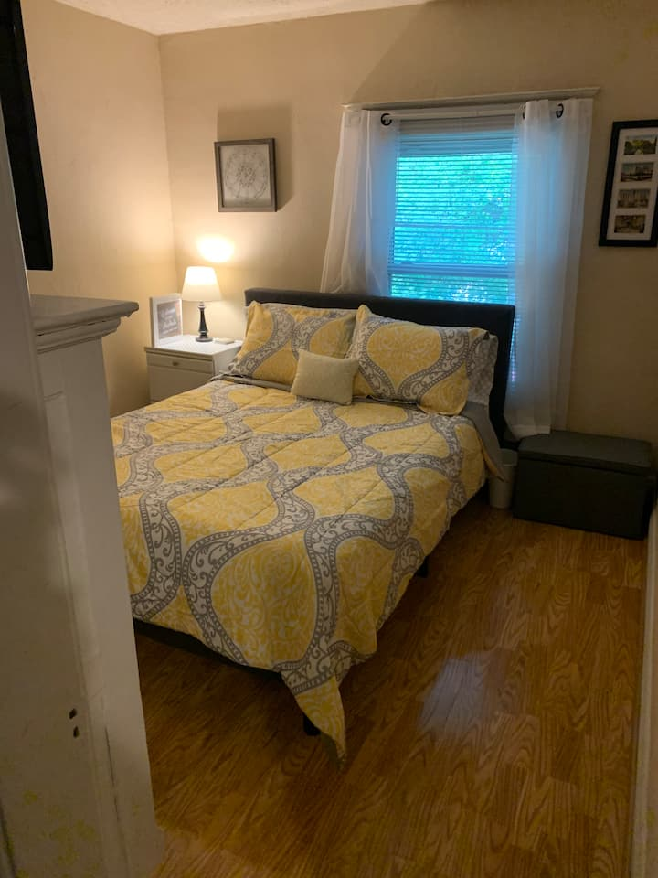 Apartment Located Near Midtown/Downtown