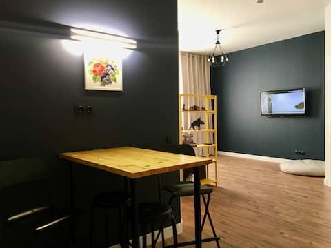 Fuar Alanında Modern ve Güneşli Apartman