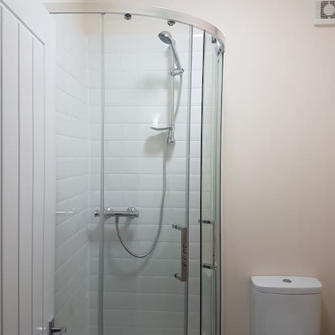 Ensuite double in shared house