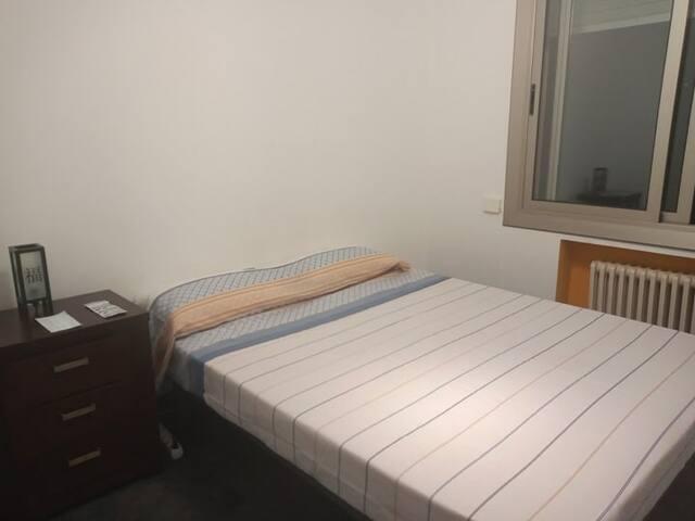 cómoda y tranquila habitación doble  vista al exte