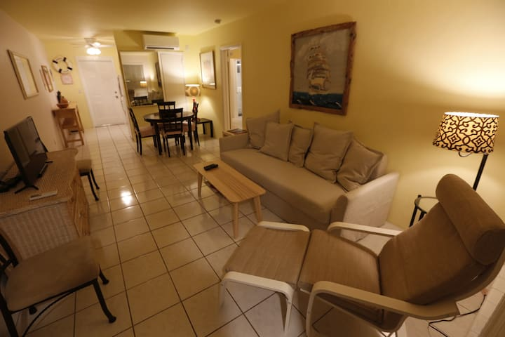 Totally remodeled large one bedroom apartment - Pompano Beach - Apartmen