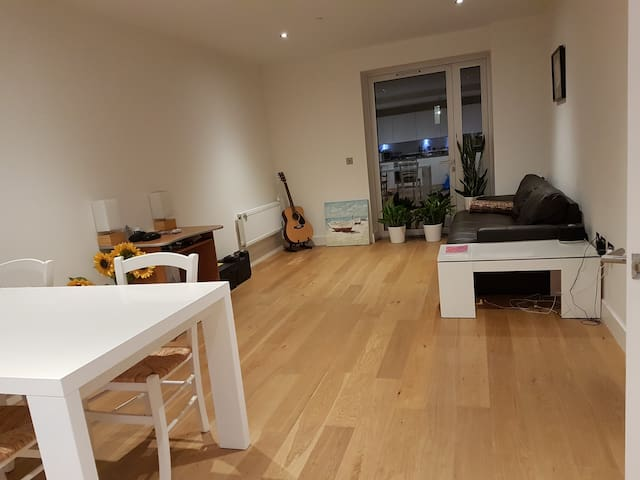 Single room in a new build centrally located flat
