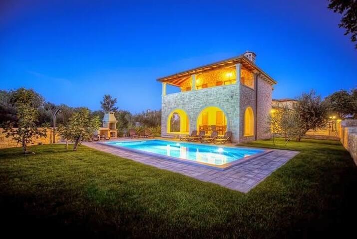 Dream Villa Catel with pool - Turčić - Villa