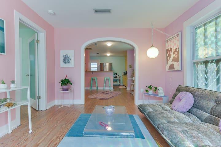 Cute Eastside Rainbow cottage