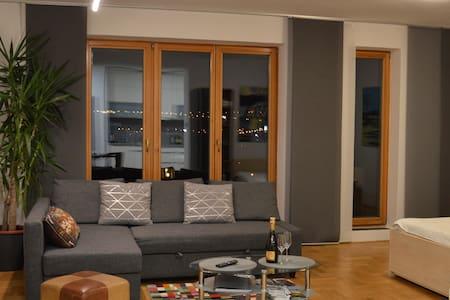 NEW modern flat 45m2, FREE parking, METRO nearby