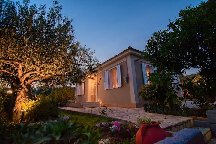 Kroussos Cottage