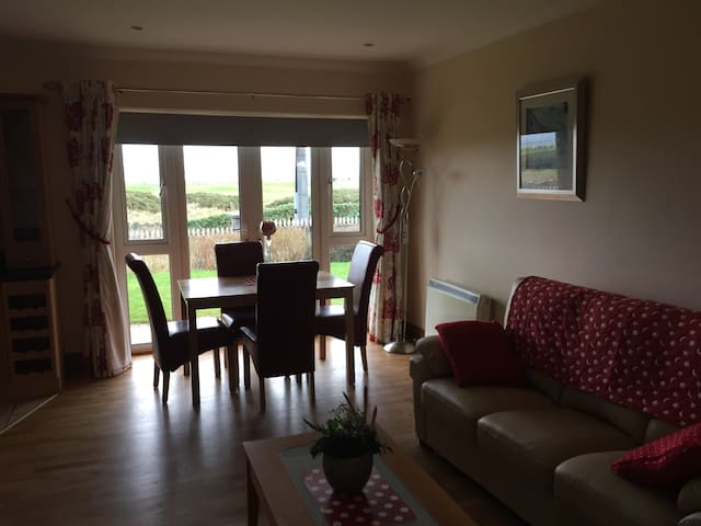 Luxury Apt. Salthill Prom amazing views Galway Bay - Galway - Appartement
