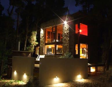 Bella casa en bosque de Mar de las Pampas