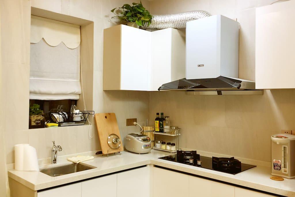 开放式厨房内景